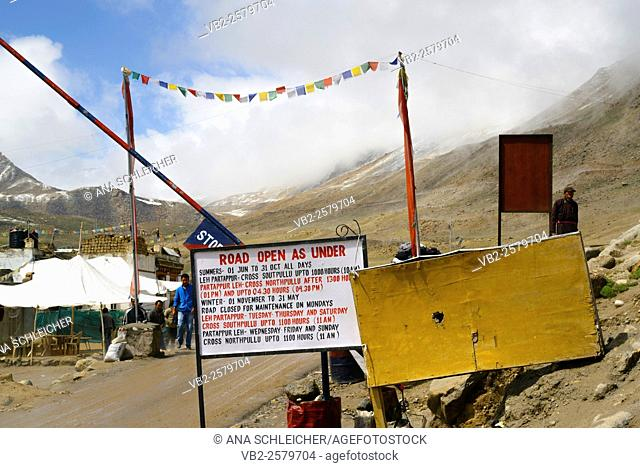 Access to the world highest motorable road. There is a check point at each end of the pass where people show their Inner Line Permit