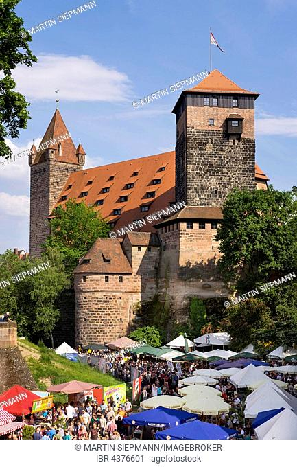 Fränkisches Bierfest, Franconian Beer Festival in the moat, Luginsland tower and Fünfeckturm, pentagonal tower, Kaiserstallung, the imperial stables