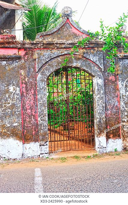 derelict colonial building in Fontanhas Quarter, Panjim or Panaji, Goa, India