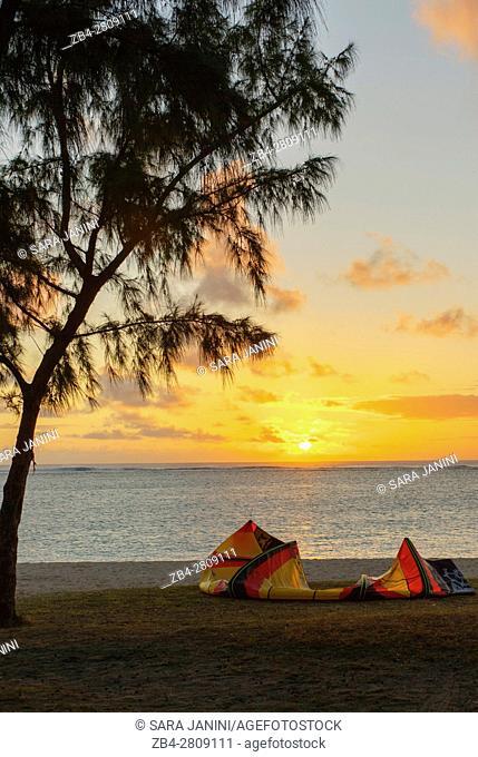 Beach with Kite Surfers at dawn near Paradis Hotel & Golf Club, Mauritius, Indian Ocean, Africa