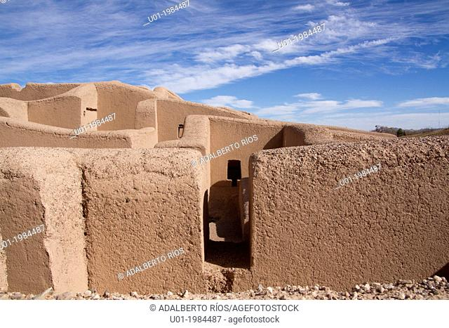 The Paquime archaeological site is located in Casas Grandes, Chihuahua. Is a complex of adobe buildings that included 4-story homes