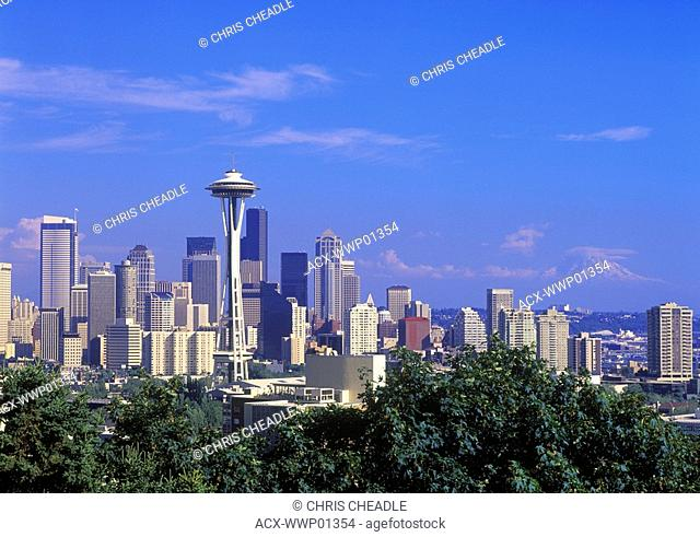 USA, Washington State, seattle skyline from Queen Anne Hill, space needle