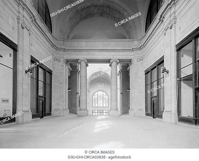 Arcade Entrance to Loggia and Main Waiting Room, Pennsylvania Station, New York City, New York, USA, Detroit Publishing Company, 1910