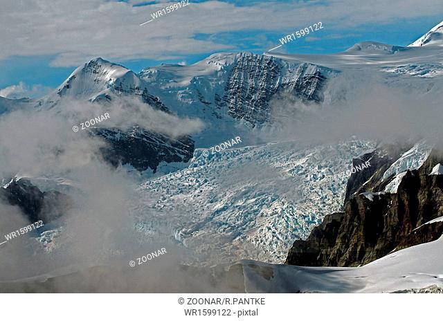 Giant glaciers in Alaska