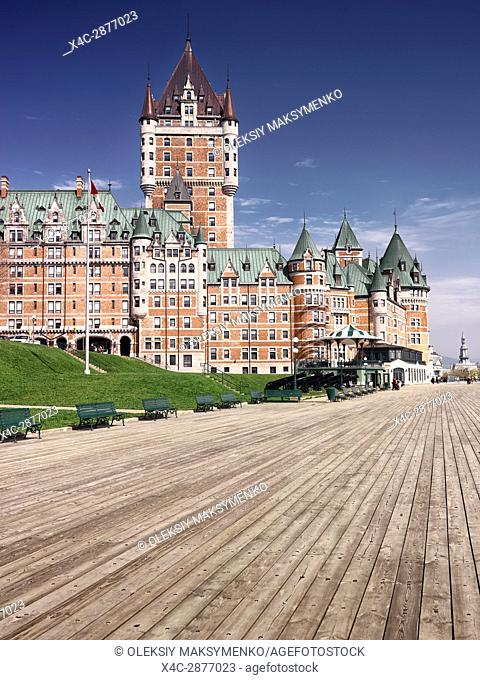 Terrasse Dufferin terrace in front of a famous castle grand hotel in old Quebec city Fairmont Le Château Frontenac. Quebec, Canada