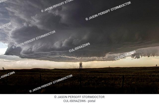 Full structure of tornado, parent wall cloud and storm