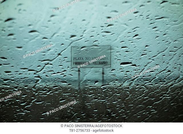 it rains on the beach, Puebla de Farnals, Spain