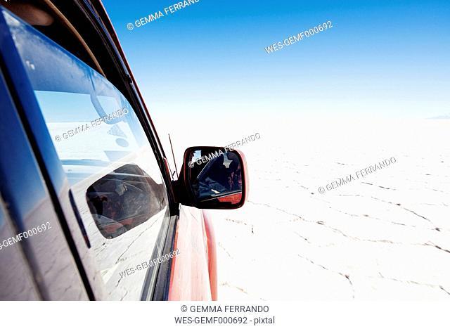 Bolivia, Atacama, Altiplano, 4x4 crossing Salar de Uyuni