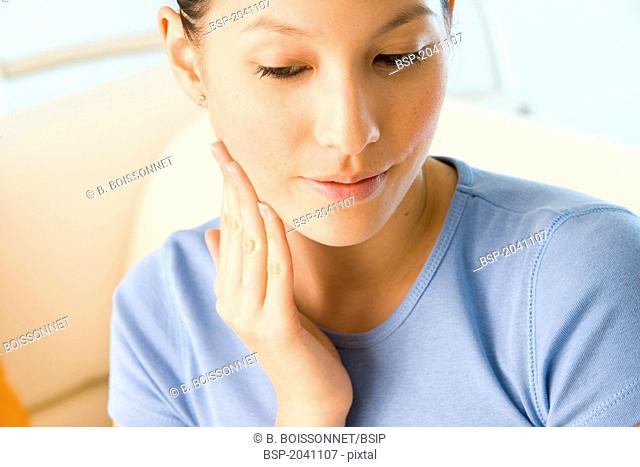 PAINFUL TOOTH IN A WOMAN Model