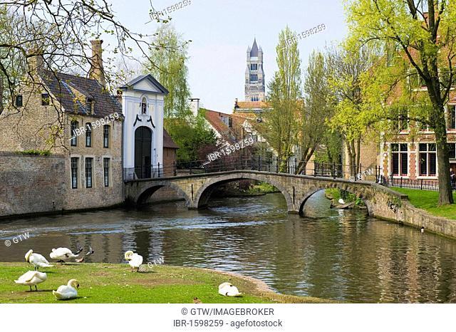 Entrance of the Bruges Beguinage Ten Wijngaerde, Unesco World Heritage Site, historic centre of Bruges, Belgium, Europe