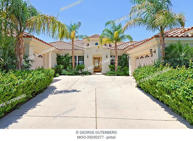 Entrance to a beautiful Palm Springs home