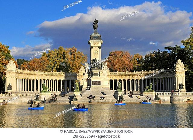 The pond in the Retiro park in the centre of Madrid