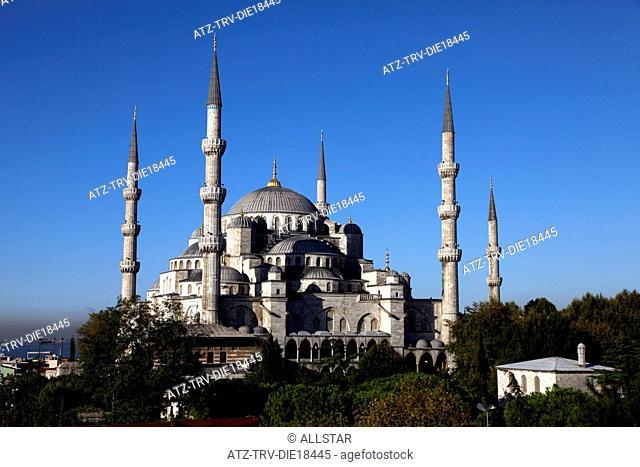 BLUE MOSQUE, SULTAN AHMET CAMII; SULTANAHMET, ISTANBUL, TURKEY; 04/10/2011