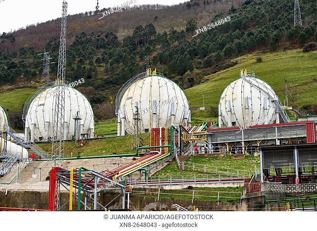 CHL Natural Gas Storage Tanks, Santurtzi, Biscay, Basque Country, Euskadi, Spain, Europe