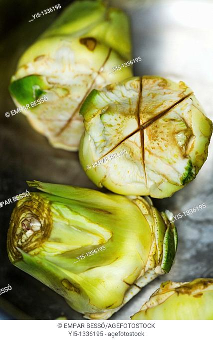 Peeled artichokes