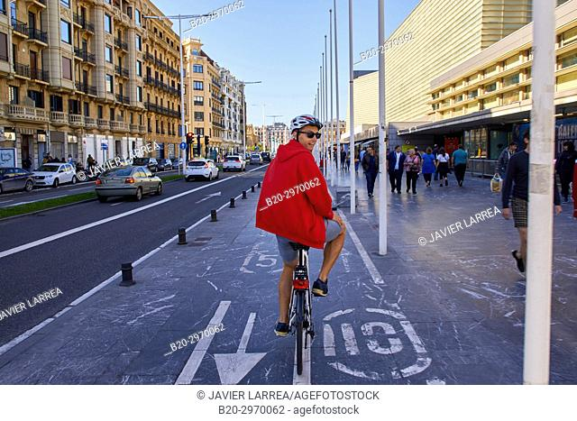 Guide making a bicycle tour through the city, Kursaal, Gros, Donostia, San Sebastian, Gipuzkoa, Basque Country, Spain, Europe