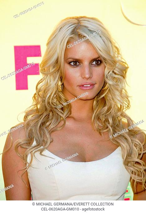 Jessica Simpson at arrivals for 8th Annual TEEN CHOICE AWARDS 2006 - ARRIVALS, Gibson Amphitheatre, Universal City, Los Angeles, CA, August 20, 2006