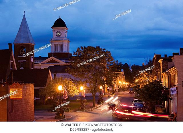 USA, Tennessee, Jonesborough, Oldest town in Tennessee, Main Street, Washington County Courthouse, dusk