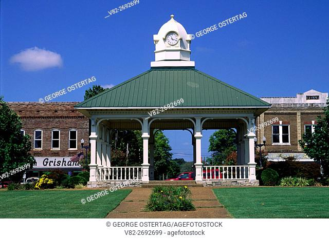 Town square, Lawrenceburg, Tennessee