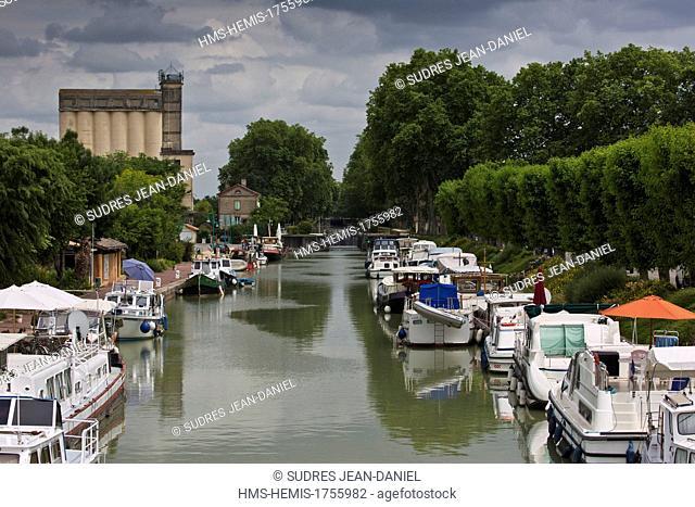 France, Tarn et Garonne, Moissac, the Canal de Garonne, the marina Moissac