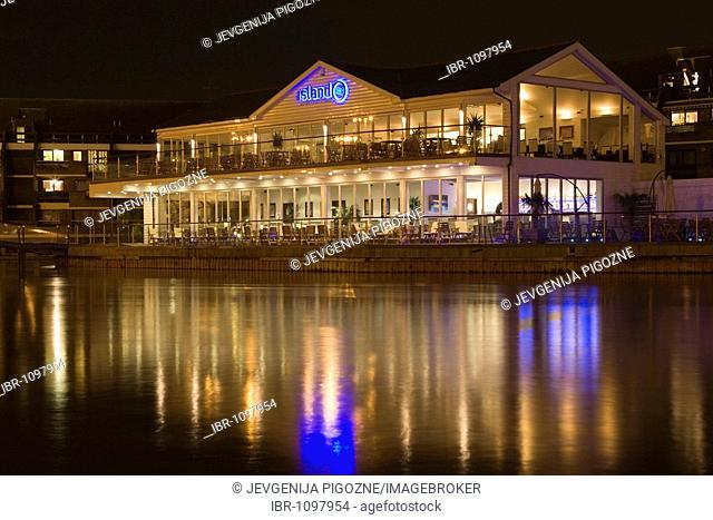Pipers Island with Island restaurant at night, Reading Thames Side Promenade, Berkshire, England, United Kingdom