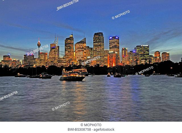 Skyline of Sydney in evening light, Australia, New South Wales, Sydney