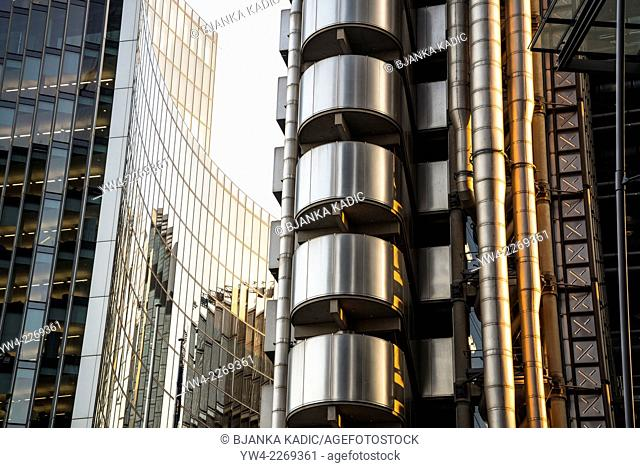 Lloyd's building and Willis Building, Square Mile, City of London, UK