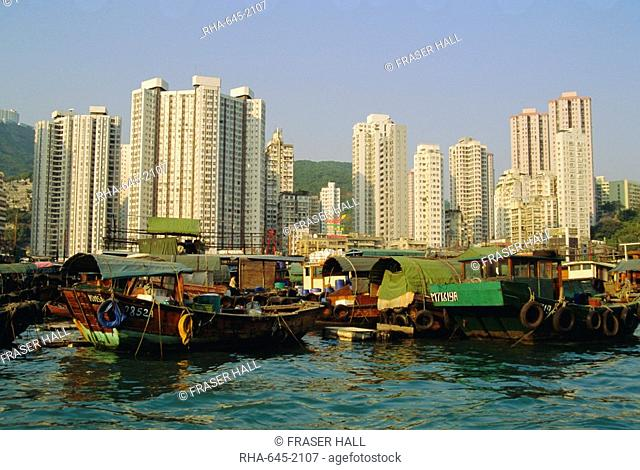 The Floating City of boat homes sampans, Aberdeen Harbour, Hong Kong Island, Hong Kong, China