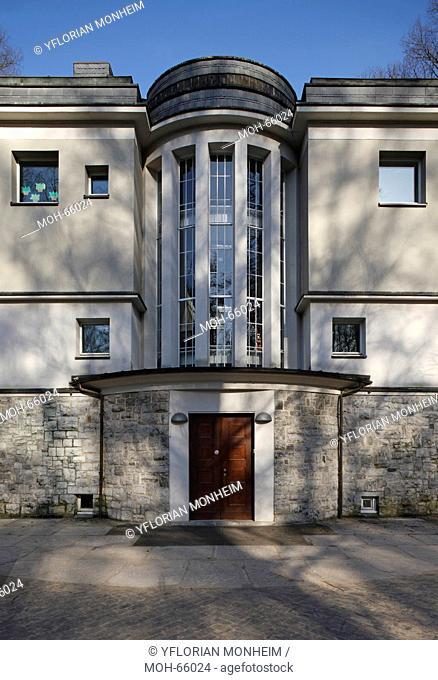 1906 bis 1908 nach Entwürfen von Peter Behrens erbaut. Mitarbeit Walter Gropius