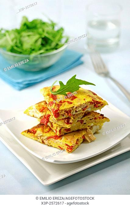 Tuna omelet with peppers.