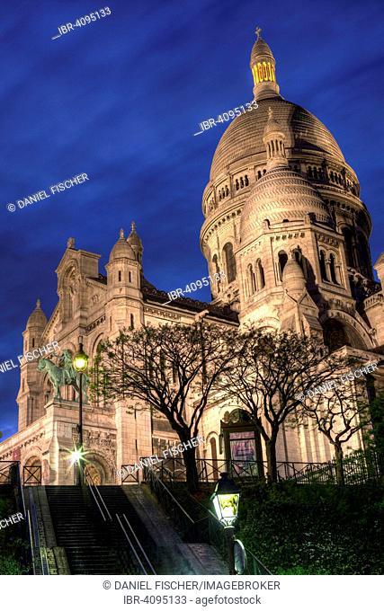 Sacre Coeur in the evening, Montmartre, Paris, France