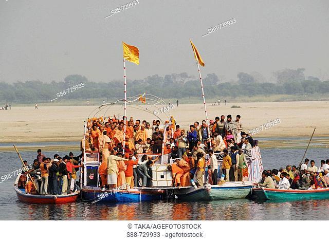 Funeral of Sadhu, India