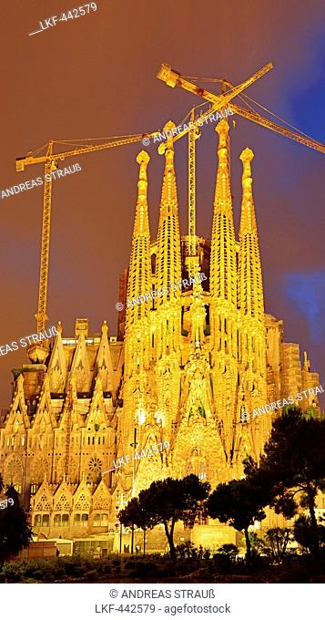 Church La Sagrada Familia, illuminated at night, Basilica and Expiatory Church of the Holy Family, architect Antoni Gaudi, UNESCO World Heritage Site