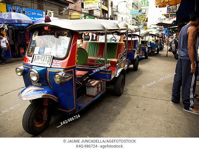 tuktuk waiting for clients