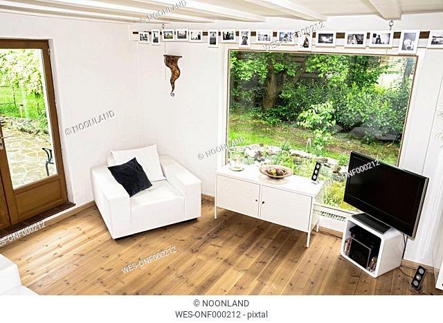 Germany, North Rhine Westphalia, Interior of living room before burglary