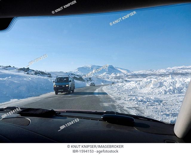 Traffic on the European road E 10 in Riksgraensen between Kiruna in Sweden and Narvik in Norway, Europe