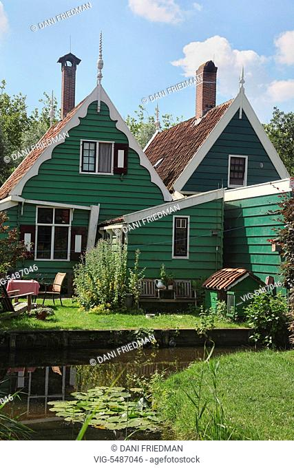 Traditional Dutch house in the small town of Zaanse Schans, Holland, Netherlands, Europe. - ZAANSE SCHANS, HOLLAND, NETHERLANDS, 16/07/2014