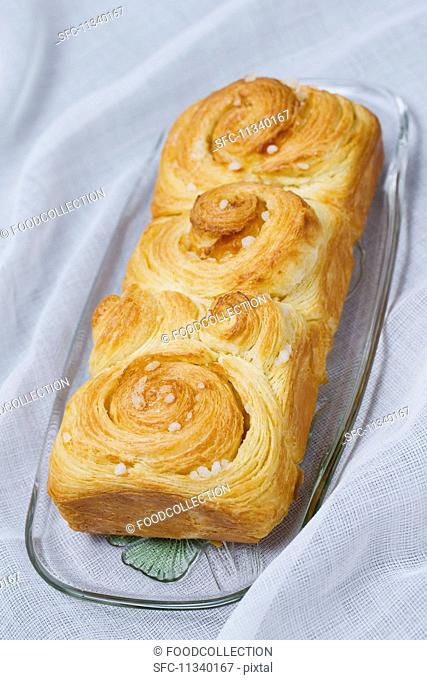 Puff pastry brioche with sugar nibs