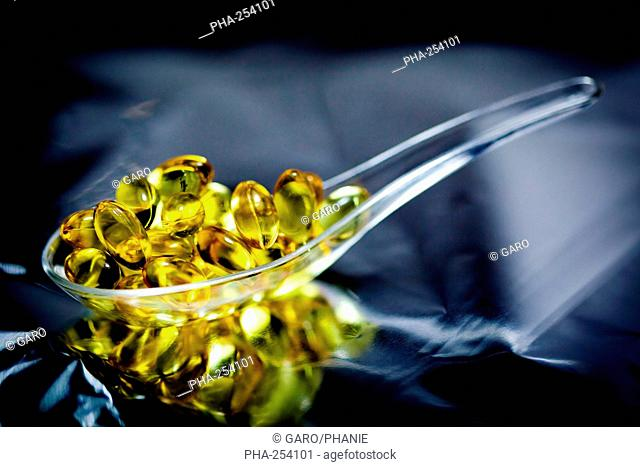 Nutritional supplements. Liquid nutritional supplements in capsules