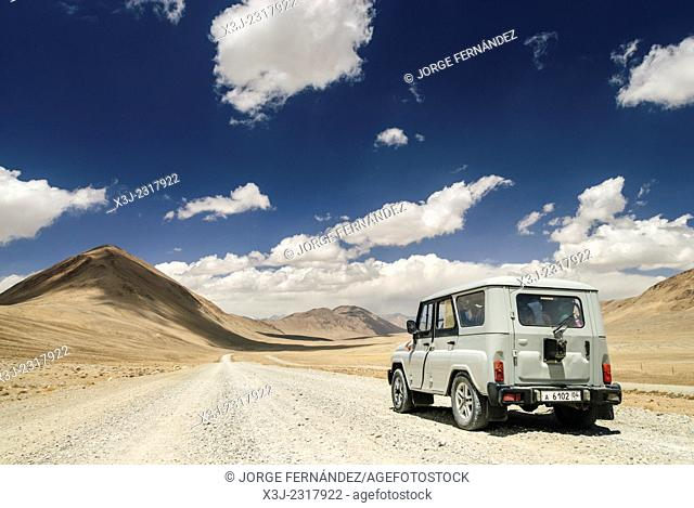 Four wheel drive on the Pamir Highway, Tajikistan, Central Asia