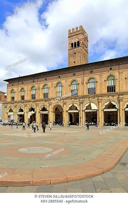 Palazzo del Podestà civic building, Piazza Maggiore, Bologna, Emilia-Romagna, Italy, Europe