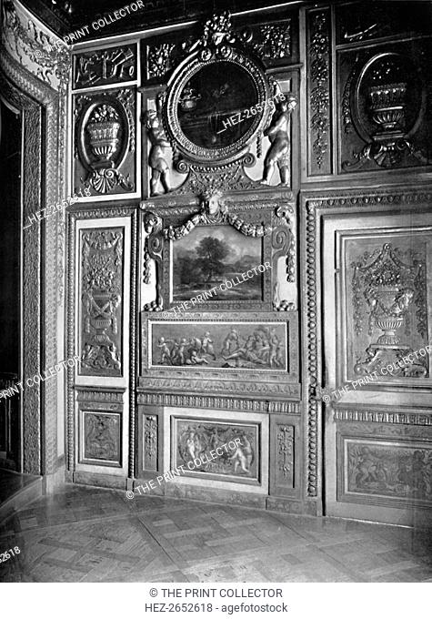'State Bedroom, Showing Alcove - H¶tel Lauzun', 1903. From The Burlington Magazine for Connoisseurs, Volume 1 - March to May 1903