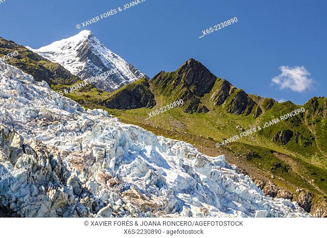 Glacier des Bossons is the highest ice cascade in Europe in the mountainside of Mont-Blanc peak, Chamonix, Haute-Savoie, Rhône-Alpes, France