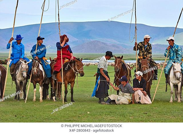 Mongolia, Bayankhongor province, Naadam, traditional festival, young nomad with their Urga