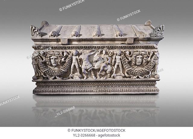 Side panel of a Roman relief garland sculpted sarcophagus, style typical of Pamphylia, 3rd Century AD, Konya Archaeological Museum, Turkey