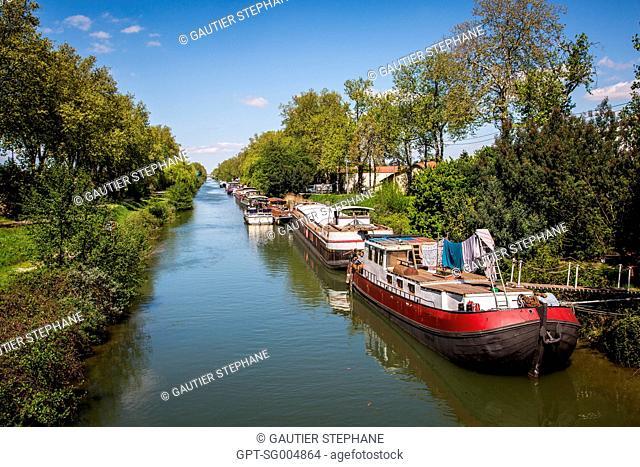 THE CANAL OF THE GARONNE, TWIN BRIDGES, PONTS JUMEAUX, PORT DE L'EMBOUCHURE ON THE CANAL DU MIDI, (31) HAUTE-GARONNE, FRANCE