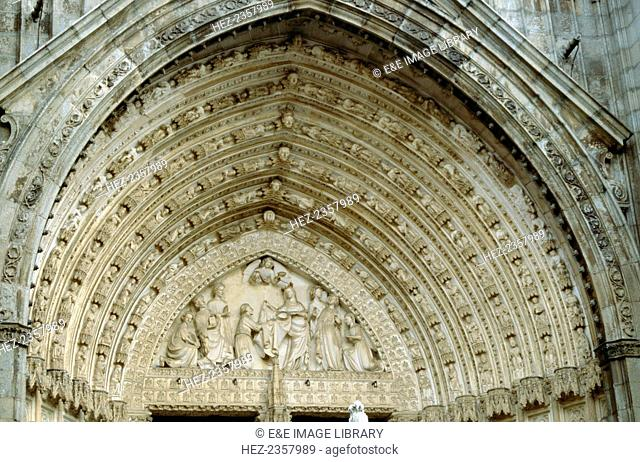 Gothic archivolts above the Door of Forgiveness, Toledo Cathedral, Spain. Regarded as one of the great Gothic cathedrals