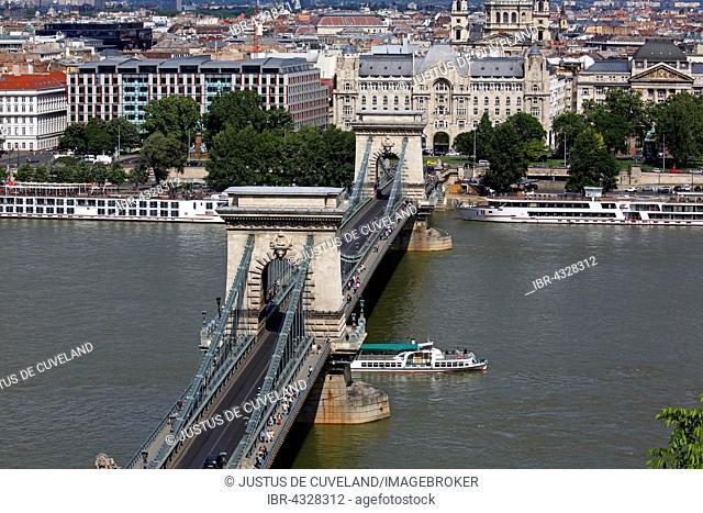 Chain Bridge over the Danube, Gresham Palace and St. Stephen's Basilica, Pest, Budapest, Hungary
