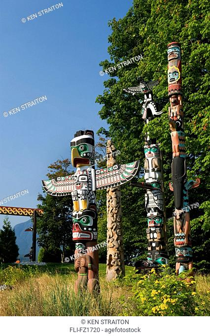 Thunderbird House Post, native totem poles, Stanley Park, Vancouver, British Columbia
