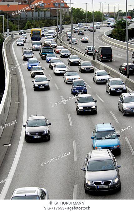 GERMANY, BERLIN, 27.08.2007, Traffic jam on the city highway in Berlin in the direction of ICC. - BERLIN, BERLIN, GERMANY, 27/08/2007